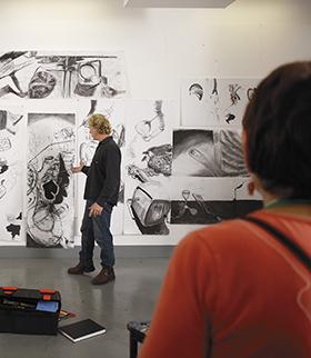 Drawing class at Curtin University.  Image courtesy of Curtin University